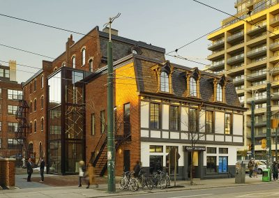 460 King St West